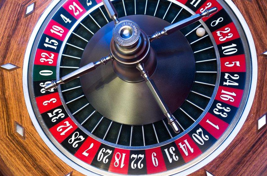 Онлайн-автоматы Плей Фортуна – как играть на деньги и выигрывать.Play Fortuna – это популярное казино, честность и надежность которого .Биробиджан